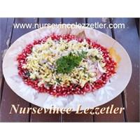 Narlı Soğan Beyaz Lahana Salatası
