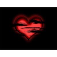 Sevgi Karanlıkta Yalnız Bırakmaz…
