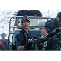 Rihanna'nın İlk Filmi Battleship - Fragmanı