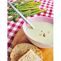 Spargel (Kuşkonmaz) Çorbası
