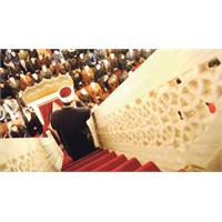 Tarihi Camilerde İngilizce Hutbe Verilecek