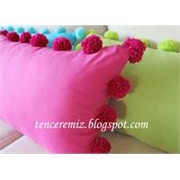 Ponponlu Yastıklar