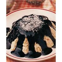 Çikolata Soslu Dökülmüş Kek Tarifi