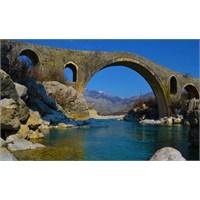 Mes Köprüsü, İşkodra, Arnavutluk