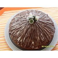 Pratik Glazürlü Kek