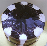 Ebruli Kremalı Pasta