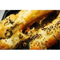 Damak Tadında Patlıcanlı Ve Peynirli Milföy