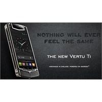 Vertu Android'li Telefonunu Tanıttı!