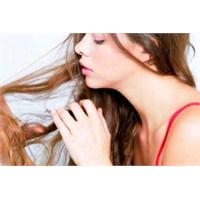 Saçlarımızın Dökülmesinin Sebepleri Farklı Farklı