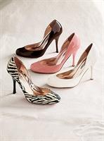 Dar Sıkı Ve Yüksek Topuklu Ayakkabılara Dikkat