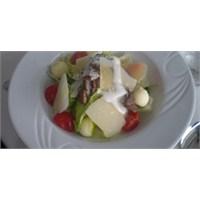 Fazlıkızından Bonfileli Salata