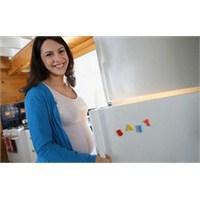 Buzdolabınızdaki Kokuyu Pratik Bir Yolla Yok Edin