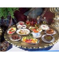 Ramazan'da Nasıl Beslenmeli ?