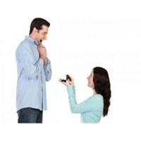 Kadınlar Evlilik Teklifi Yapmalı Mı ?