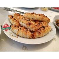 Gurme Peynirli Börek Tarifi
