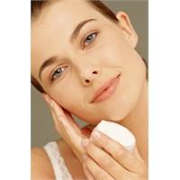 Yüz Kozmetikleri Etkili Mi?
