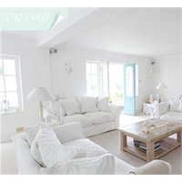 Beyaz Dekore Edilmis Harika Bir Ev