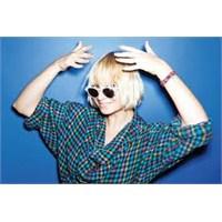 Sia – Loved Me Back To Life [ Yeni Şarkı]