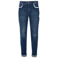 Kot Pantolonu Giymenin Kaç Yolu Vardır?