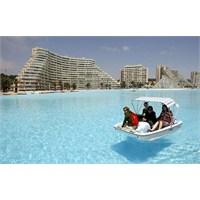 Dünyanın En Büyük Açık Yüzme Havuzu