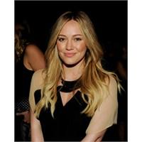 Dikkat Göz Kamaştırabilir : Hilary Duff Modası