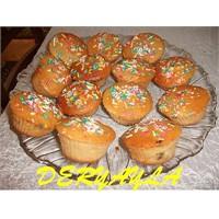 Çilek Reçelli Muffin