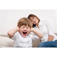 2 Yaş Sendromu Geçiren Çocuğa Nasil Davranılmalı?