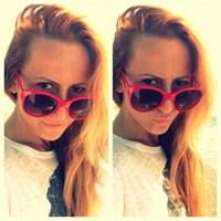 Kırmızı Bikinimle Kadırga Sahilinde