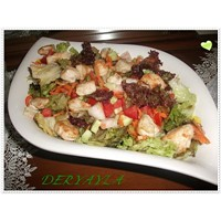 Tavuklu Lolorosso Salatasi