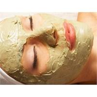 Gençleştiren Yaş Maya Maskesi