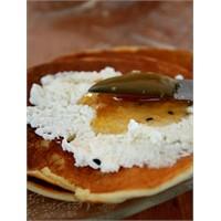 Lor Peynirli Pancake