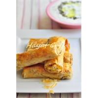 Baklava Yufkasında Kıymalı Patatesli Börek