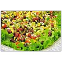 Soya Filizli Meksika Salatası