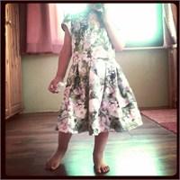 Vintage Tarzı Çocuk Elbisesi