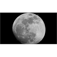 Ay'a Yollanacak Turist Aranıyor