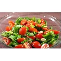 Besleyici Kış Salatası