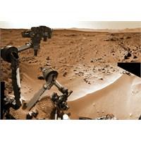 Merak Mars'ta Yaptığı Toprak Analizinde Su Buldu