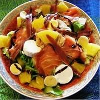 Acılı Somon Salatasına Ne Dersiniz?