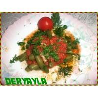 Soslu Taze Bakla Salatası