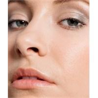 Yanlış Kozmetik Ürünleri Sivilce Yapar