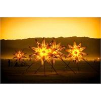 Yıldızlar Dünyaya İndi!