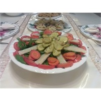 Sebzeli Roka Salatası
