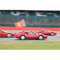 Ferrari Ler Toplu Halde Pistte!