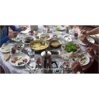 Kuşadasında Köy Kahvaltısı İçin En İyi Adres!