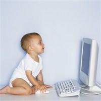 Çocuğunuzu Bilgisayar Başında Terketmeyin