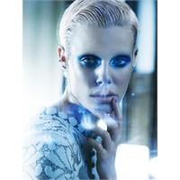 Rüya Gibi Bir Moda Çekimi Mavi Rapsodi