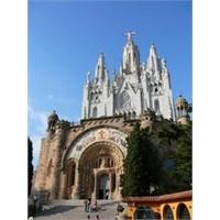 Barselona'nın Hakimi Tibidabo Tepesi