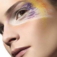 Düzenli Makyaj Kadının Dengesini Geliştiriyor