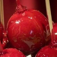 Çocuğunuza Elma Şekeri Yapabilisiniz