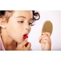 Genç Kızlar İçin Özel Makyaj Sırları
